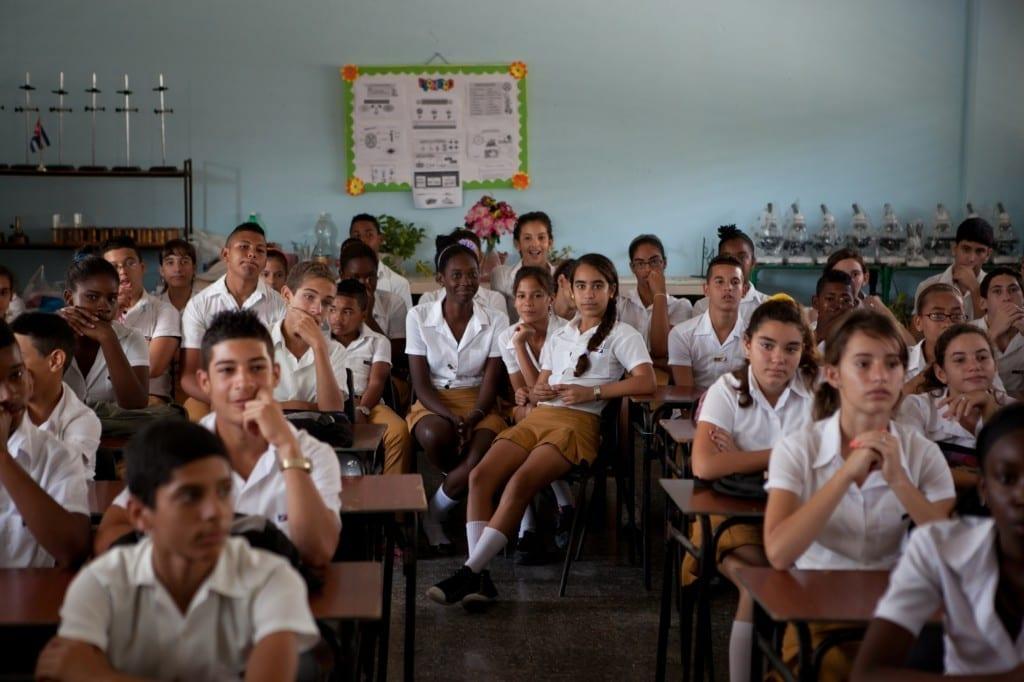 Parada Pogolotti_Students from Escuela secundaria basica Jose Testa Zaragoza after their welcome song